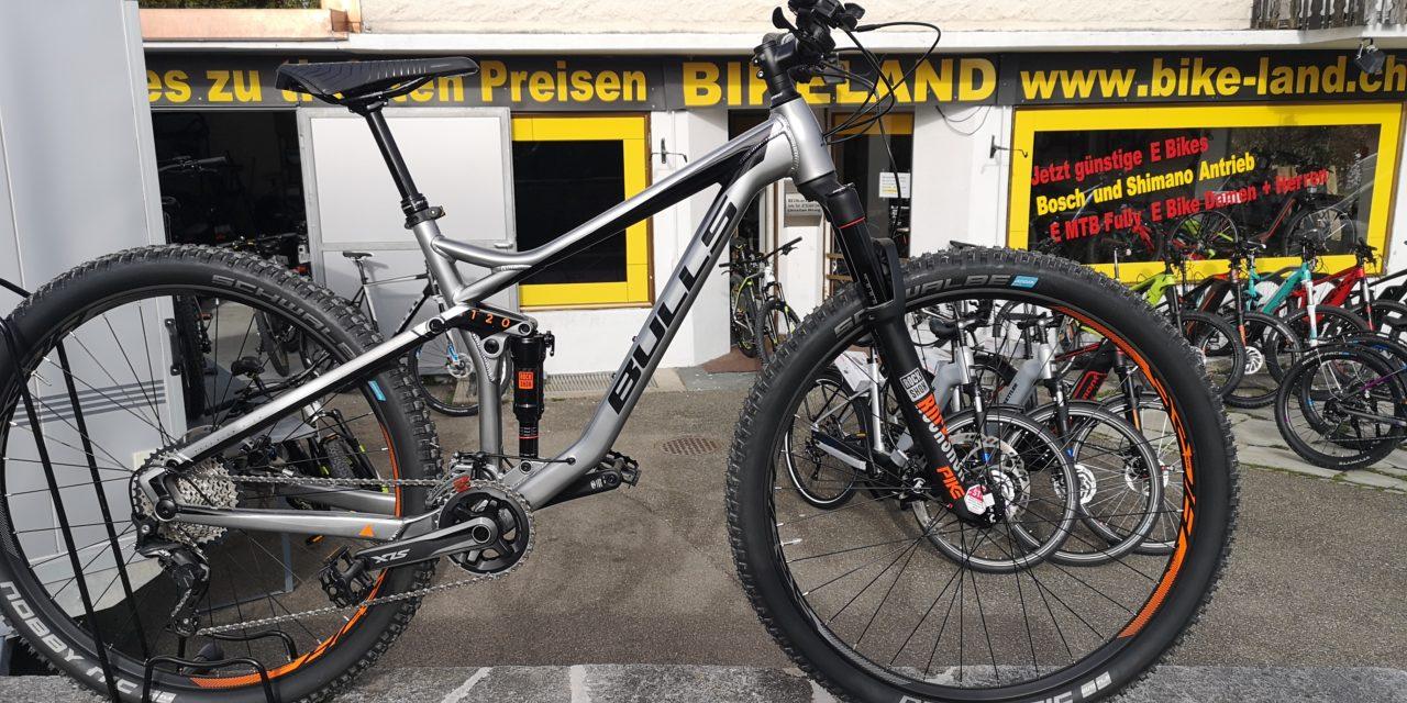 Bulls Bike steht vor Bikeland